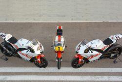 Yamaha-Bikes von Valentino Rossi, Giacomo Agostini und Colin Edwards