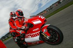 MotoGP-Doppelsitzer: Randy Mamola und Gerhard Berger