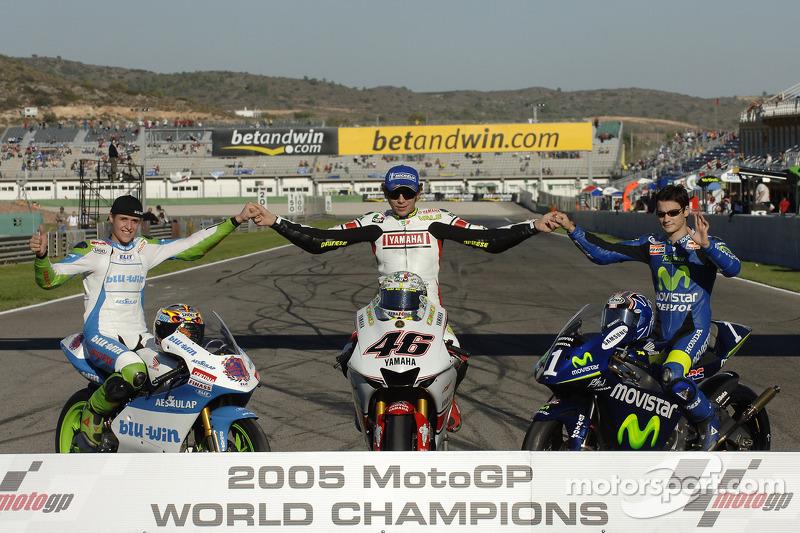 Kampiun 2005: Thomas Luthi (125cc), Valentino Rossi (MotoGP), Dani Pedrosa (250cc)