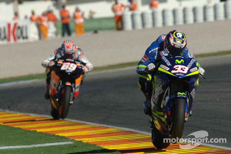 "<img class=""ms-flag-img ms-flag-img_s2"" title=""Italy"" src=""https://cdn-4.motorsport.com/static/img/cf/it-3.svg"" alt=""Italy"" width=""32"" /> Marco Melandri : 5 victoires"