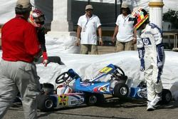 Crash between Antonio Pizzonia and Dan Wheldon