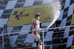 Podio: Champán para Valentino Rossi
