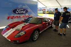 Ford Innovation Drive: a Ford GT on display