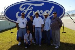 Ford Innovation Drive: Elliott Sadler with winners of the Ride with Elliott test drive