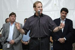 Rusty Wallace speaks during the drivers meeting