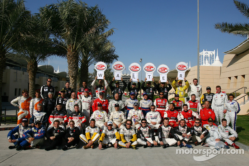 Photoshoot: 2005 FIA-GT drivers show support for Walter Lechner