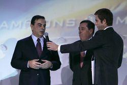 Le président de Renault Carlos Ghosn et le président de Renault F1 team Patrick Faure