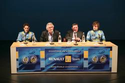 Giancarlo Fisichella, Flavio Briatore, Patrick Faure y Fernando Alonso