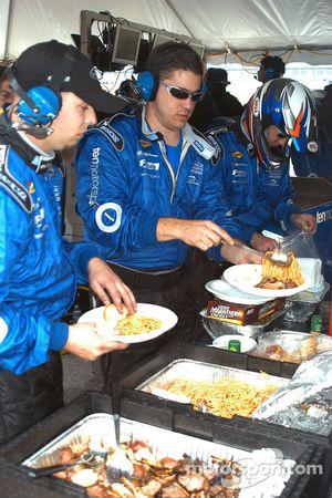 Ten Motorsports crew takes a lunch break