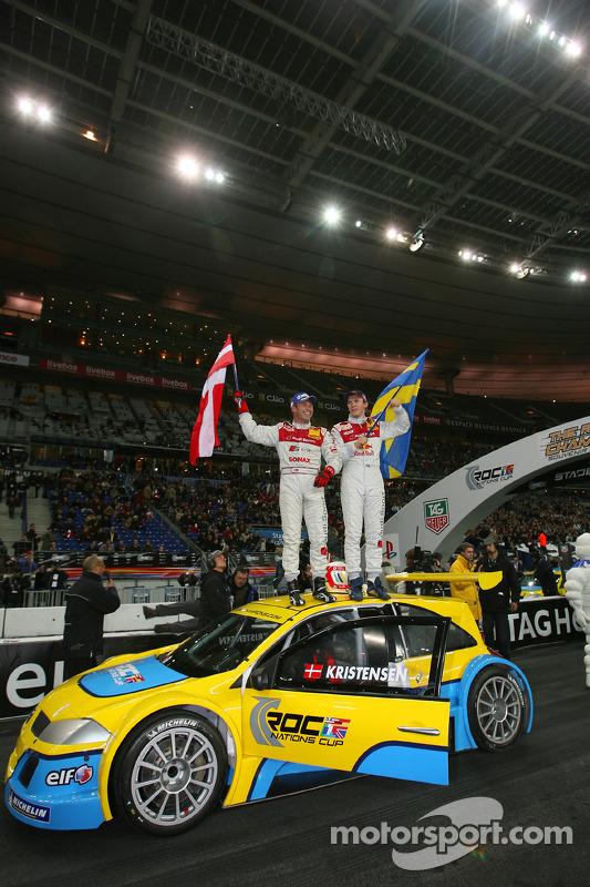 Los ganadores de la Copa de Naciones 2005 Tom Kristensen y Mattias Ekström del Team Scandinavia