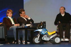 Nick Heidfeld BMW WilliamsF1 Team pilotu 2005 ve Dr Mario Theissen (BMW Motorsport Direktör) takım i
