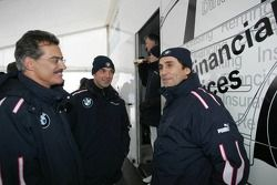 Docteur Mario Theissen (BMW Motorsport) avec Jorg Muller et Alex Zanardi