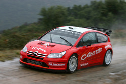 Sébastien Loeb and Daniel Elena test the Citroën C4 WRC 2007 in the Var region in France