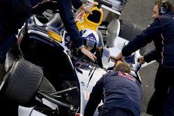 David Coulthard test ediyoryeni Red Bull Racing'in Ferrari-powered RB2