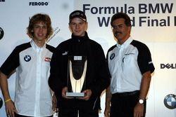 Sebastian Vettel, Nico Hülkenberg et Dr Mario Theissen