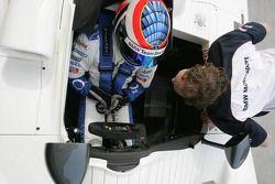 La BMW d'essai : Dirk Muller conduit la BMW V12 LMR