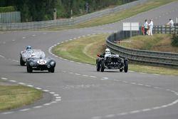 Jaguar D-Type n°14 : Peter Neumark, Mark Griffiths, Aston Martin Ulster n°28: Jim Campbell, Andy Bell