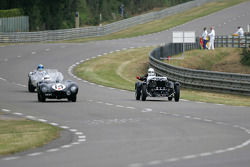 Jaguar D-Type n°14 : Peter Neumark, Mark Griffiths, Aston Martin Ulster n°28: Jim Campbell, Andy Bell
