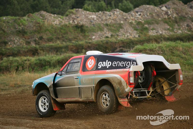 Equipe Nissan à Dessoude: Carlos Sousa et Jean-Marie Lurquin essaient la Nissan Navara T1