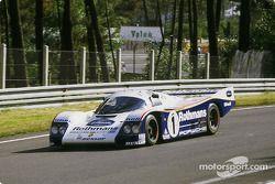 Porsche 962C №1 команды Rothmans Porsche: Жаки Икс, Йохен Масс