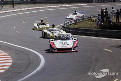 #43 Martini Racing Porsche 935/78: Манфред Шурти, Рольф Штоммелен, Райнхольд Йост