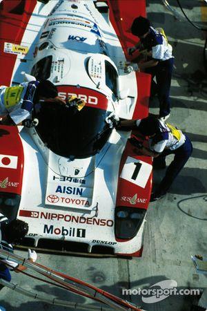 #1 SARD Company Toyota 94C: Mauro Martini, Jeff Krosnoff, Eddie Irvine