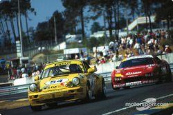 GT racing at Tertre Rouge: #54 Porsche 911 Carrera RSR: Enzo Calderari, Lilian Bryner, Renato Mastropietro