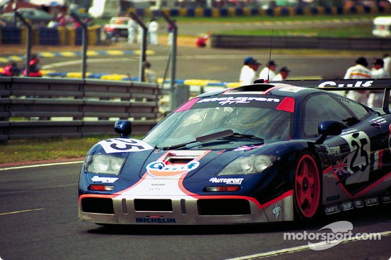 #25 Gulf McLaren F1 GTR: Pierre-Henri Raphanel, Philippe Alliot, Lindsay Owen-Jones