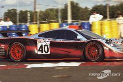 #40 Gulf Team Davidoff McLaren F1 GTR BMW: Thomas Bscher, John Nielsen, Chris Goodwin