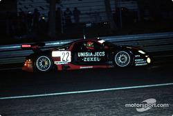#22 Nissan Motorports Nissan R390: Eric van de Poele, Aguri Suzuki, Riccardo Patrese