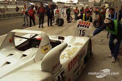 Pitstop #15 Team T.D.R. Kudzu-Mazda DLM MS 971: Franck Fréon, Yojiro Terada, Jim Downing