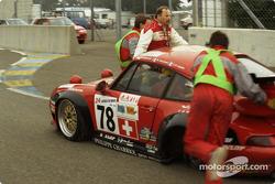 Problemas para #78 Elf Haberthur Racing Porsche 911 GT2: Michel Neugarten, Jean-Claude Lagniez, Guy Martinolle
