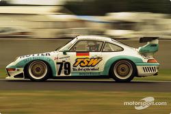 #79 Franz Konrad Motorsport Porsche 911 GT2: Michel Ligonnet, Toni Seiler, Larry Schumacher