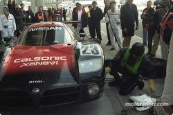 Pitstop #23 Nissan Motorports Nissan R390: Kazuyoshi Hoshino, Erik Comas, Masahiko Kageyama