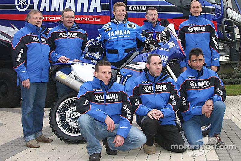Yamaha Motor France: David Frétigné avec les membres de l'équipe Yamaha Motor France