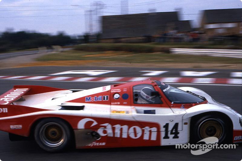 1985 год. Экипаж Джонатана Палмера, Джеймса Уивера и Ричарда Ллойда, Porsche 956