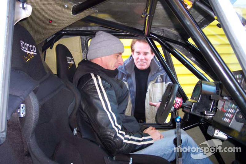 Vanguard Racing test en France: Ronn Bailey se tient prêt pour le test de la voiture 2006 Vanguard Racing Rally