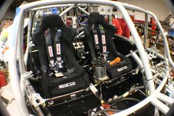 Team Gordon: Team Gordon crew members work on the Hummer H3 Race Truck