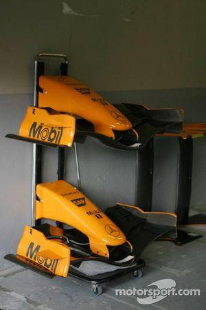 De oranje neus van de McLaren MP4-21