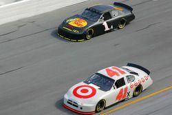 Reed Sorenson et Martin Truex Jr.