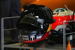 Helmets of Pedro de la Rosa and Gary Paffett