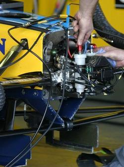 Renault F1 takım elemanı, work