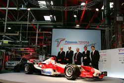 Direction technique de Toyota Motorsport avec la TF106