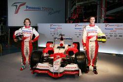 Jarno Trulli et Ralf Schumacher avec la TF106