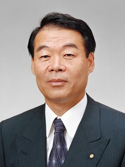 Kazuo Okamoto, vice-président exécutif (Toyota Motor Corporation)