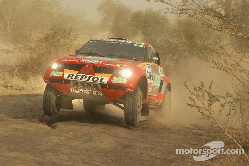 2006: Luc Alphand dan Gilles Picard, Mitsubishi Pajero Evolution
