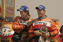 Podium Motos: vainqueur Marc Coma avec Giovanni Sala