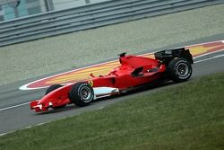 Michael Schumacher test ediyoryeni Ferrari F2006, 8 days before its launch