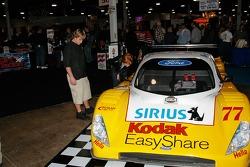 Fans pore over the Doran Racing #77
