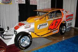 Jerry Higbie construit le numéro 47, et pilotera ça à Middleton cette saison pour Dale Shaver